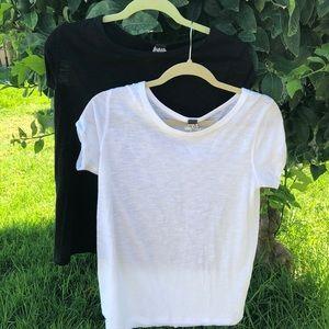 We the Free T-shirt lot of 2 black & White Medium